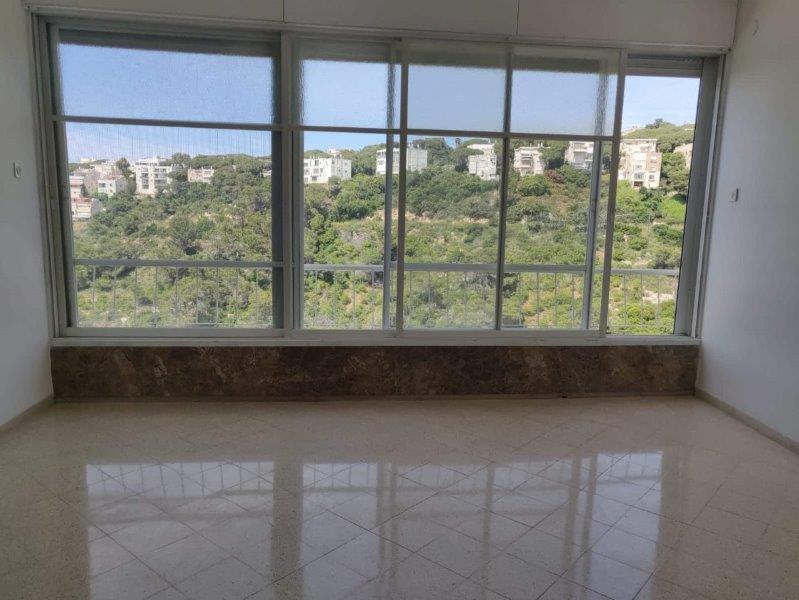 דירה להשכרה בכרמל חיפה